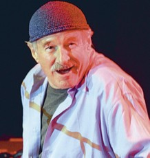 Joe Zawinul in action